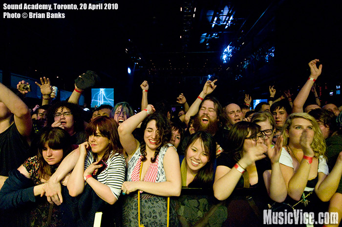 Crowd shot of fans at the barrier at Sound Academy, Toronto, 20 April 2010 - photo by Brian Banks, Music Vice