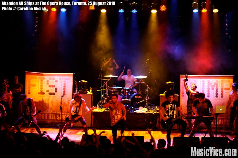 Abandon All Ships at The Opera House, Toronto, 25 August 2010 - Photo by Caroline Aksich, Music Vice