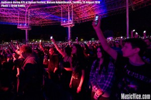 Crowd during A7X at Molson Amphitheatre during Rockstar Uproar Festival, Toronto, 25 August 2010 - photo by Brian Banks, Music Vice