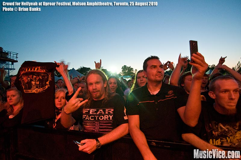 Crowd for Hellyeah at Jagermeister stage at Uproar Festival, Toronto, 25 August 2010 - photo by Brian Banks, Music Vice