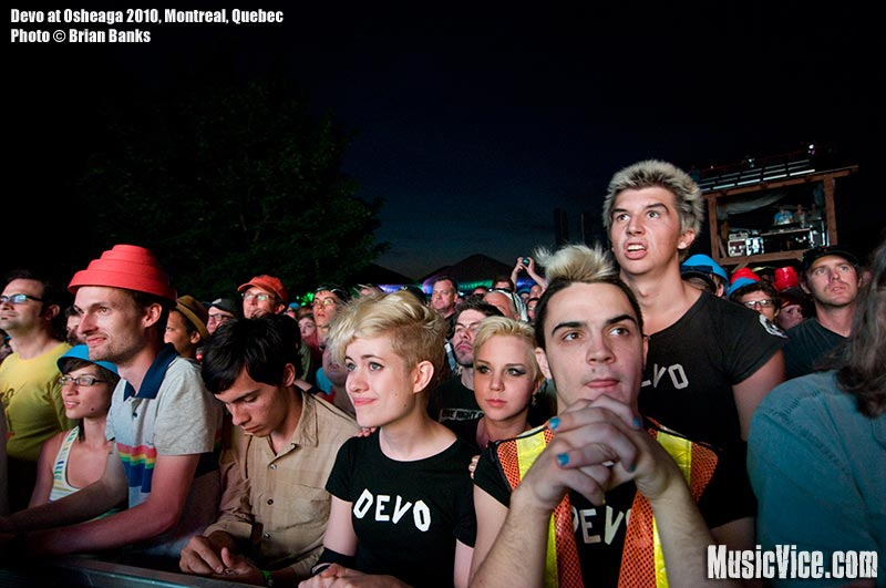 Crowd of Devo fans at Osheaga music festival, 1 August 2010 - photo by Brian Banks, Music Vice