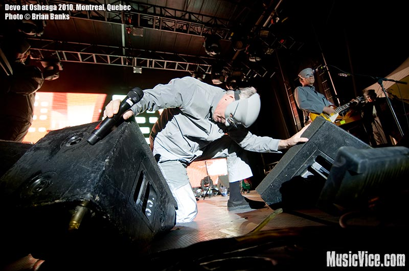 Devo at Osheaga music festival, 1 August 2010 - photo by Brian Banks, Music Vice