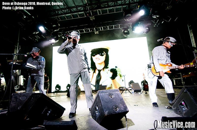 Devo at Osheaga music festival, 1 August 2010 - photo by Brian Banks, Music Vice