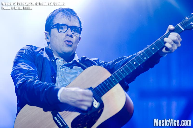 Rivers Cuomo of Weezer at Osheaga music festival, 1 August 2010 - photo by Brian Banks, Music Vice