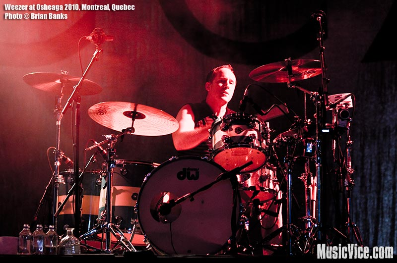 Weezer drummer Patrick Wilson performing at Osheaga music festival, 1 August 2010 - photo by Brian Banks, Music Vice