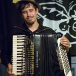 Jason Webley at Barfly, Montreal, 23 September 2010 - photo by Liz Keith, Music Vice
