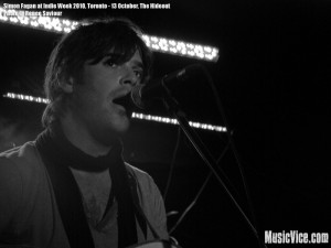 Simon Fagan at The Hideout, Toronto, Indie Week 2010 - photo Renee Saviour, Music Vice, All Rights Reserved