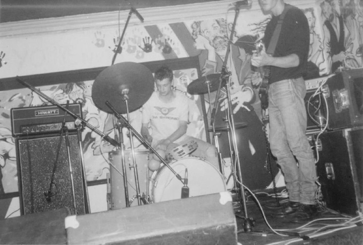 Natty Brooker drumming for Spacemen 3 - Black Lion Pub, Northampton, 3 August 1985