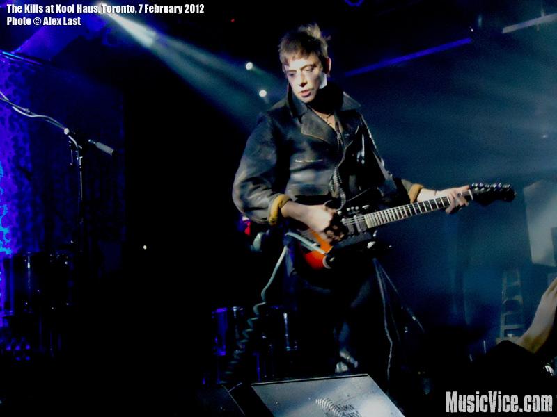"The Kills Jamie ""Hote"" Hince at Kool Haus, Toronto, 7 February 2012 - photo Alex Last, Music Vice"