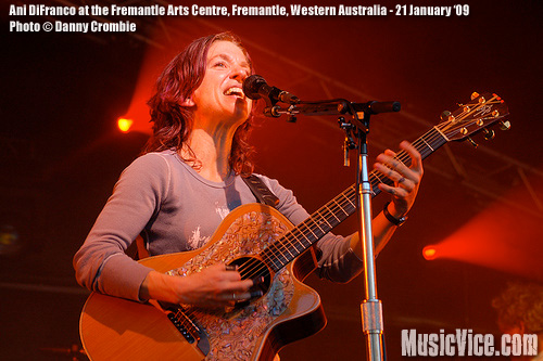 Ani DiFranco at Fremantle Arts Centre, Western Autralia - photo Danny Crombie, Music Vice
