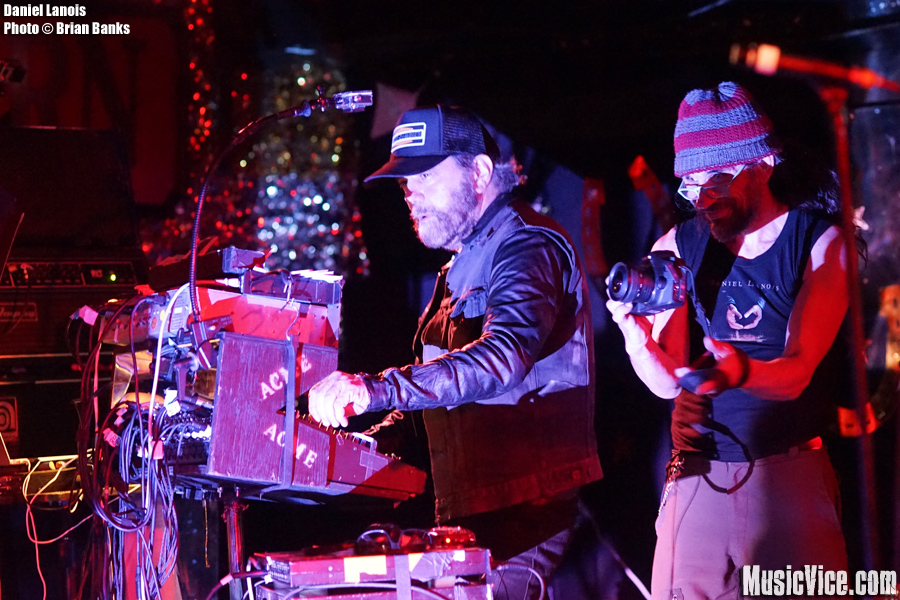 Daniel Lanois at the Horseshoe Tavern, Toronto - photo Brian Banks