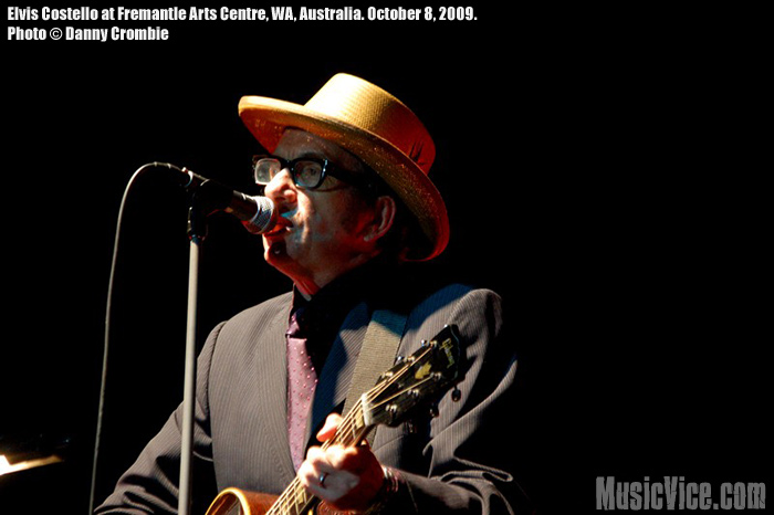 Elvis Costello at Fremantle Arts Centre, 8 October 2009 - photo by Danny Crombie - Music Vice