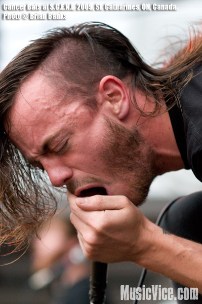 Liam Cormier of Cancer Bats at S.C.E.N.E. 2009 in St. Catharines - photo by Brian Banks for Music Vice. All rights reserved.