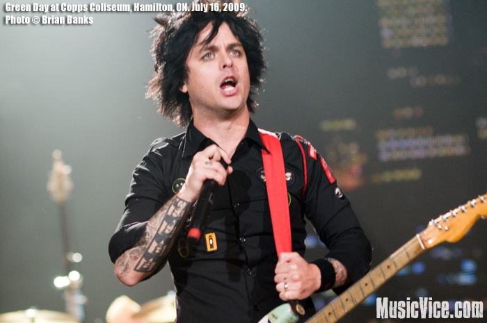 green-day_copps-coliseum-july-16-2009_9_