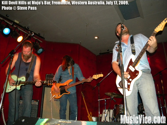 Kill Devil Hills at Mojo's Bar, Fremantle, Western Australia, July 17th, 2009 - photo by Steve Pass