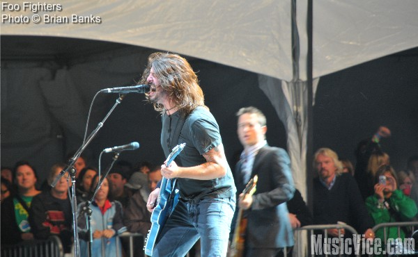 Foo Fighters at Virgin Festival 2008 - with Richard Branson watching
